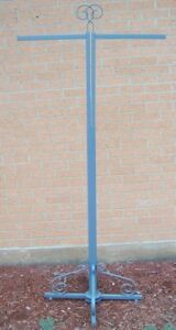 Store Display Fixtures Boutique Style 2 Arm Straight Rod Clothing Garment Rack
