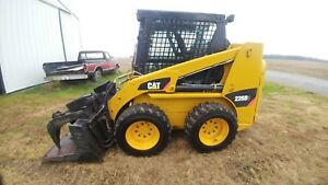 Cat 226b3 Skid Steer Enclosed Cab Heat air Grapple Bucket And Forks