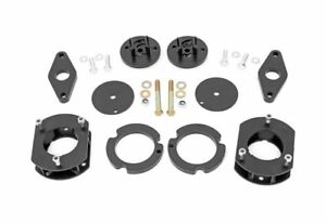 Rough Country 2 5 Suspension Lift Kit For 11 18 Grand Cherokee 4wd 60300