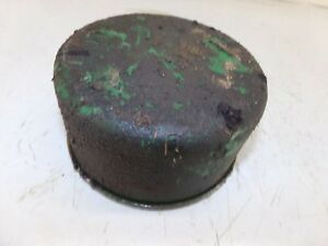 Oliver 1600 Tractor Air Breather Bottom