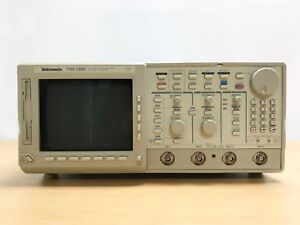 Tektronix Tds520c 2ch Digitizing Oscilloscope With Instavu Acquisition