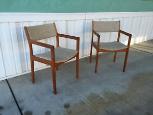 Pair Of D Scan Teak Danish Modern Side Or Captain Dining Chairs