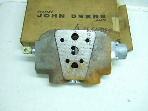 John Deere Loader Bucket Hydraulic Valve Section 350b 450b au14304