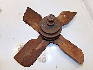 Farmall C Tractor Fan Blade And Shaft Bearing Good