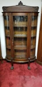 C1910 Quarter San Oak Curved Glass China Cabinet Original Finish