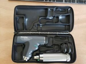 Welch Allyn 11820 Panoptic Opthalmoscope Kit With Handle