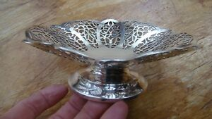 Vintage Wm Rogers Pierced Lace Footed Candy Nut Dish No Handle Silverplate 1429