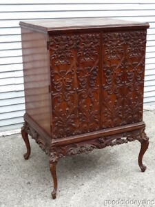 Antique 1930 S Carved Radio Cabinet Perfect For A Tv Cocktail Bar Or Storage