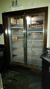 Walk In Cooler For Bar With Draft Dispensors