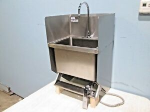 win holt Commercial nsf Ss Wall Mounted Hands Free Wash Sink W knee Control