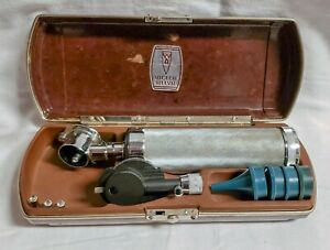 Welch Allyn Otoscope Diagnostic Set Vintage Working W original Case Extra Bulbs