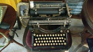 Typewriter1910 Antique Works Well