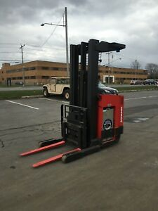 Raymond Forklift Reach Truck 4000lb 211 Lift W Battery Charger Hd 95 tall