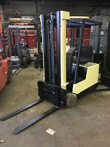 Crown 3 Wheel Sit Down Forklift 3000 130 lift side Shift 36 Volt W charger