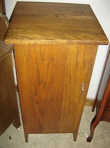 Antique Oak Music Cabinet Victrola Or Gramophone Stand 7507