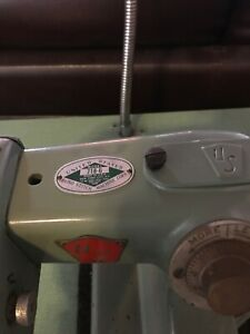 Us Blind Stitch Industrial Sewing Machine 718 6 Includes Table Motor Light