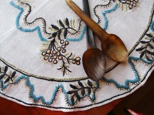 Vintage 1940s Arts Crafts Embroidered Linen Tablecloth Sweden 26 Wool Yarn