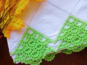 Vintage Heavy White Cotton Pillowcases With Green Lace Edge Free Shipping