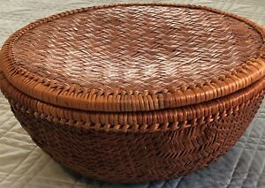 Antique And Vintage Woven Sewing Baskets With Lid Very Good Condition