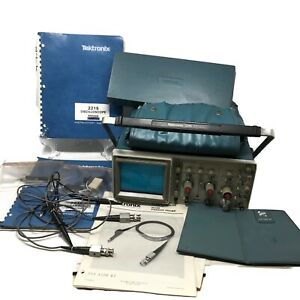 Tektronix 2215 60mhz Oscilloscope With Service Manual And 2 P6120 Probes Tested