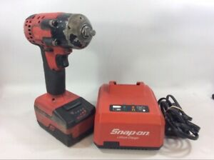 Snap on Ct8810a 3 8 Drive Impact Wrench With Battery And Charger bd1066596