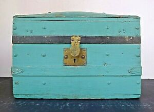 Vintage Old Blue Painted Trunk Shaped Box Recent Estate Find Superb Piece Look
