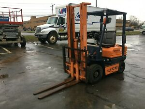 Toyota Pneumatic Tire 3000 Cap Diesel Forklift 10 Lift 42 Forks Compact hd