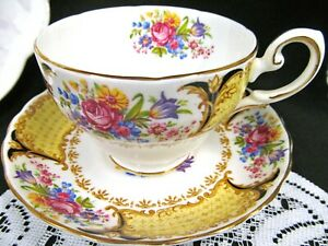 Tuscan Tea Cup And Saucer Red Rose Pattern Teacup With Floral Bouquet Design