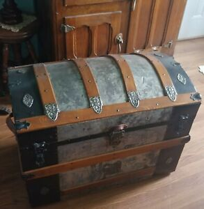 Wow Beautiful Antique Xl 29 X 17 X 24 Tall Cammel Back Dome Top Steamer Trunk