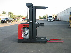 2004 Raymond Order Picker 3000lb Cap 204 Lift 42 Forks 24v W battery