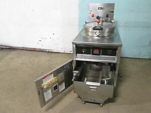 bki fkm f Commercial Hd Digital 208v 3ph Electric Pressure Fryer W filtration