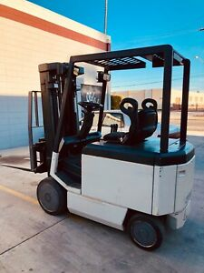 Crown 40fctt Sit Down Electric Forklift 5000lb Sideshift 2 Stage Low Hours