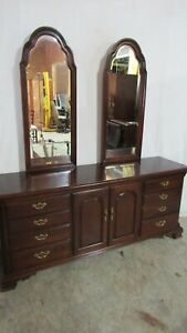 Thomasville Mahogany Dresser Two Mirrors Bedroom Set
