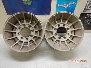 Pair 8 Lug 16 5 X 8 1 4 Hurricane Wheels Ford Chevy Dodge 4x4 Van Vector Style