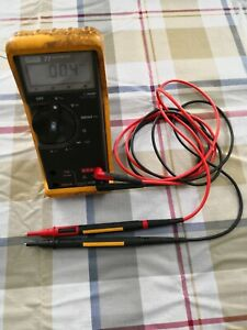 Fluke 77 Digital Multimeter With new Leads