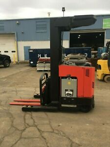 2007 Raymond Forklift Reach Truck W 2017 Battery 3500lb 211 Lift W charger Hd