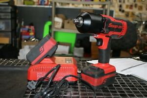 Snap On Ct8850 Impact Wrench 18volt 2 Batteries Charger