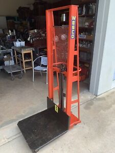 Wesco Industrial Hydraulic Table Lift 60 Inch Lift With 1 000 Lb Capacity