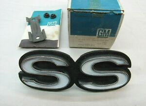 Nos 1974 Chevy Chevelle 350 Ss Front Grille Name Plate Script Emblem Gm 344453