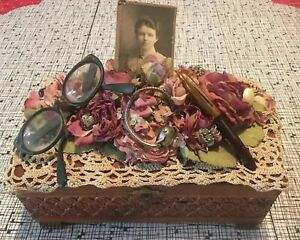 Decorative Vintage Antique Victorian Mourning Wooden Memory Jewelry Box