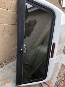 White Century Truck Cap Topper From 2005 Gmc Canyon Like New