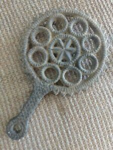 Antique Cast Iron 8 Ring Star Decorated Footed Trivet Hearthware Country Kitchen