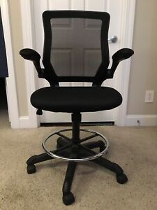 Black Mesh Back Computer Chair Barely Used Back lumbar Support Swivel Chair