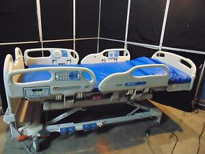 Hill rom P3200 Versacare Electric Hospital Bed With Scale Mattress S4373