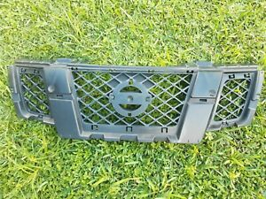 09 18 Nissan Frontier Used Oem Grille Without Chrome Molding emblem p n 62310 z