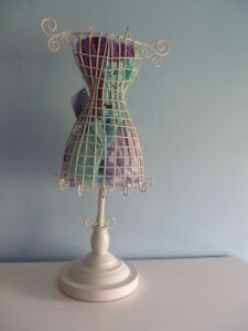 Nwt Sicura Off white Mannequin Form Jewelry Stand italian Designs