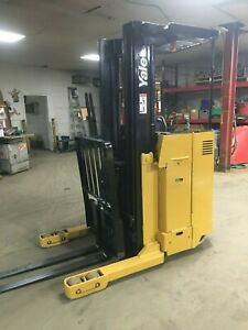 Yale Forklift Reach Truck 3500 197 Lift W Tested Battery Chgr 89 Tall hd