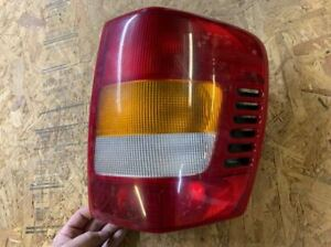 99 00 01 02 Grand Cherokee Passenger Right Tail Light