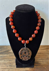 Vintage Chinese Carnelian Bead Antique Carved Jade Foo Dog Pendant Necklace