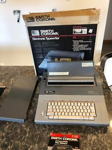 Smith Corona Typewriter Sl570 Electronic W cover Excellent Condition